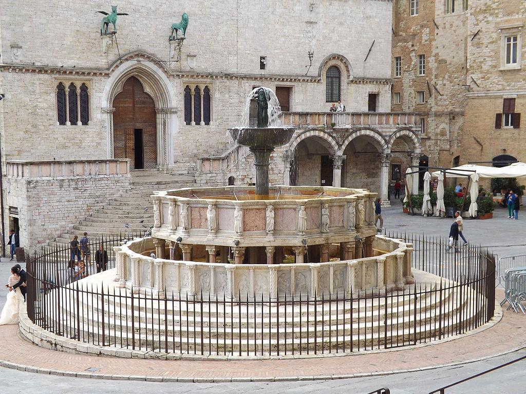 Cosa vedere a perugia in un giorno il tour completo for Arredare milano piazza iv novembre