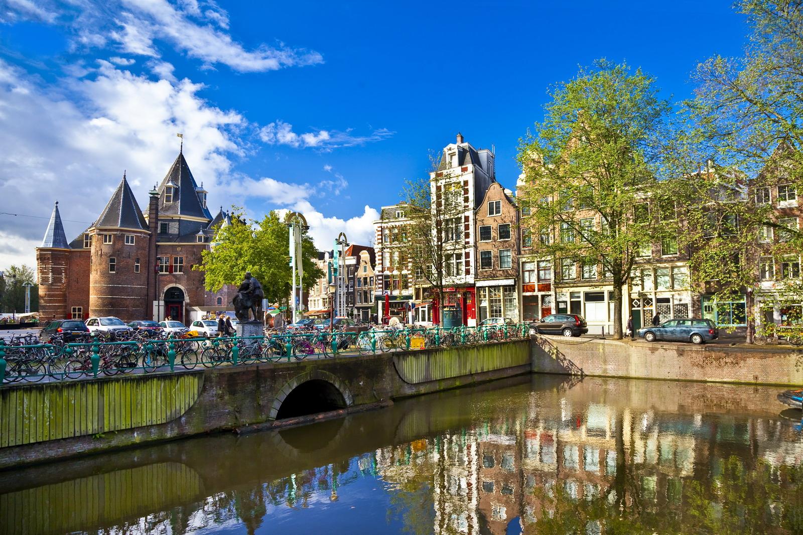 Gita ad Amsterdam: i consigli sulle cose da non fare nella bellissima capitale olandese
