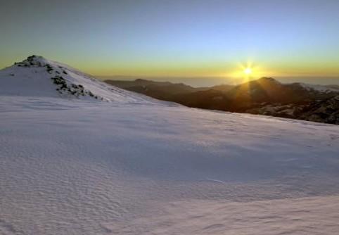 Migliori località italiane per sciare: a Garessio, in Piemonte, le piste si attraversano guardando il mare