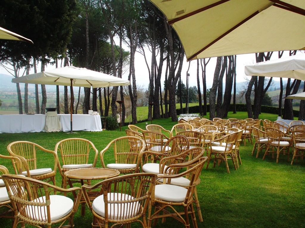 Villa Castelli: una location da favola con vista su Gubbio