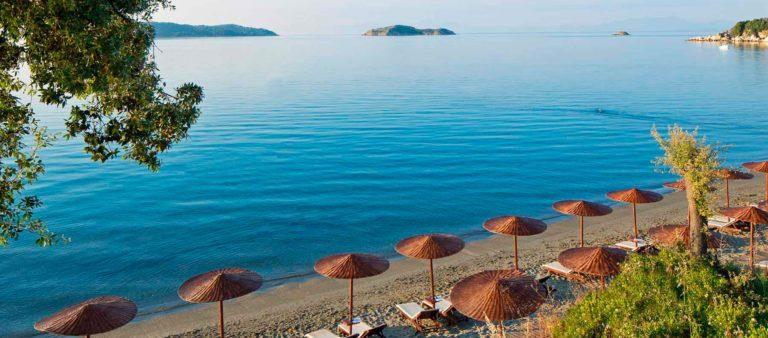 Skiathos: una vacanza tra mare e divertimento