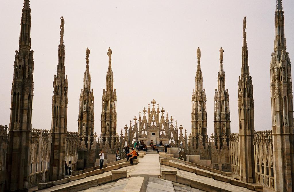 http://www.turistafaidate.it/wp-content/uploads/2016/10/Visitare-Milano-in-1-giorno.jpg