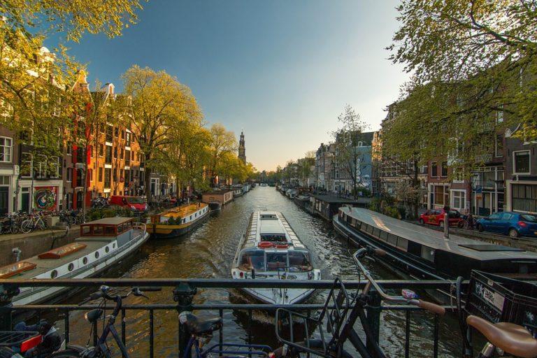 Visitare Amsterdam: la Guida Completa alla capitale olandese