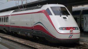 Carnevale-Viareggio-Trenitalia