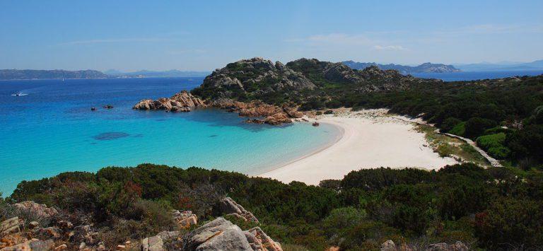 Splendida Sardegna: la Guida Completa per una vacanza da sogno