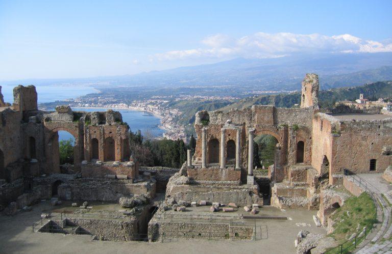 Taormina: la Guida Completa per una vacanza tra mare e cultura