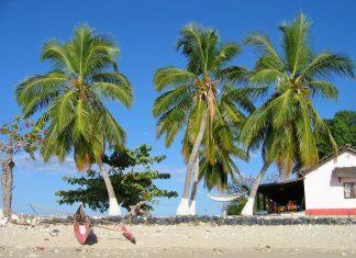 spiaggia e canoe madagascar