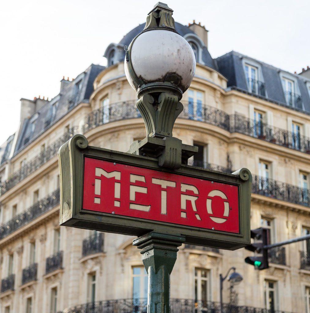 Simbolo metro parigi