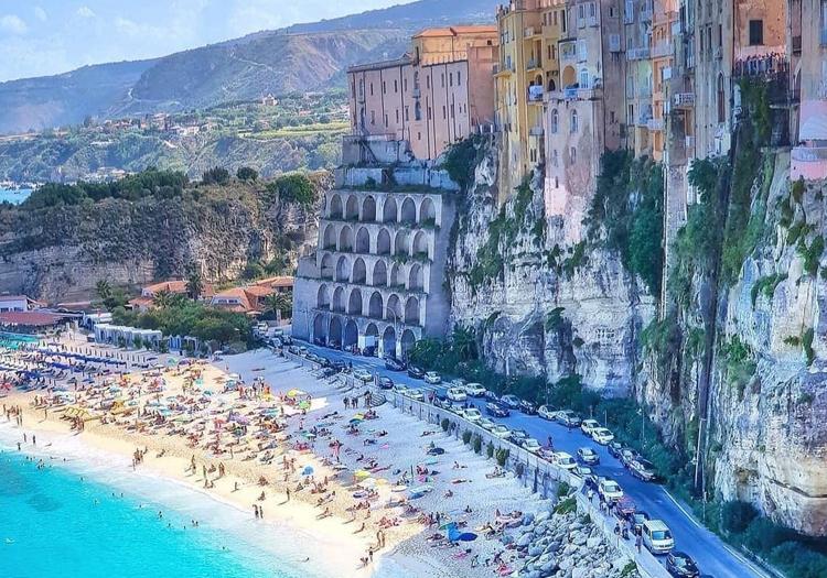 Non solo cipolle rosse: Tropea è un tesoro che vale la pena visitare