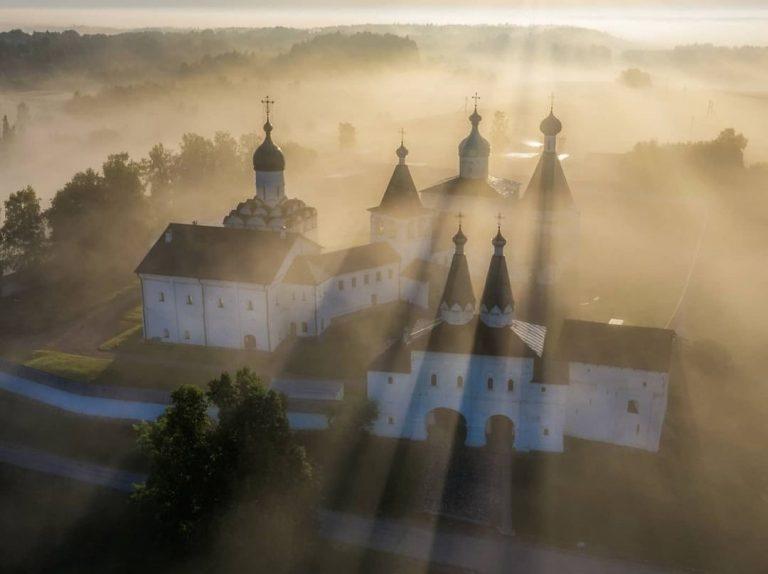 Kirill-Belozersky: il più grande monastero d'Europa